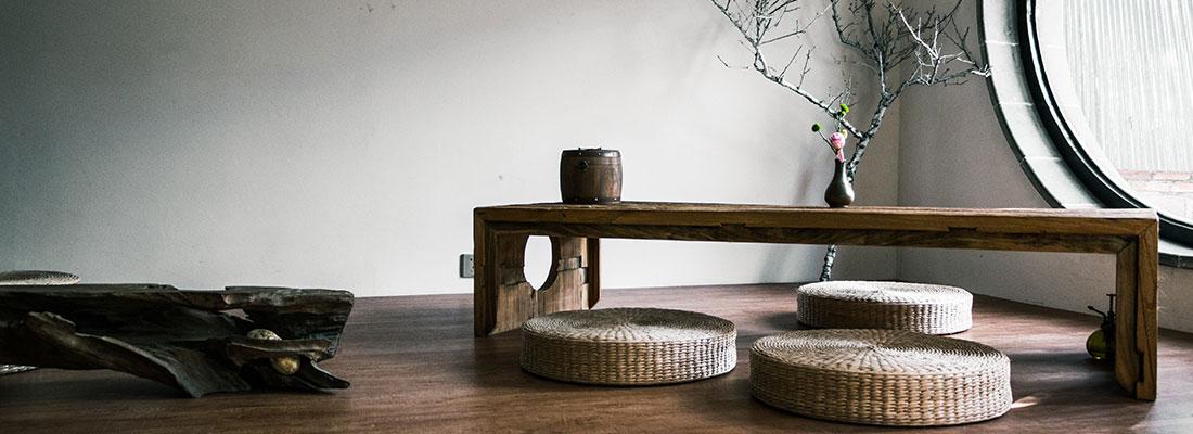 wooden bench - Green Beauty Expert